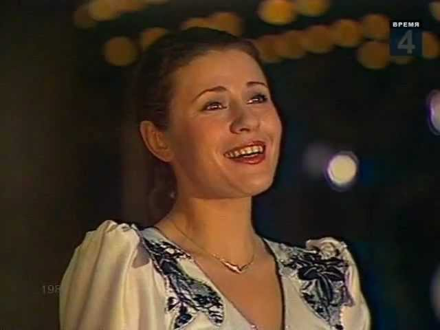 Валентина Толкунова Идёт ребёнок по земле