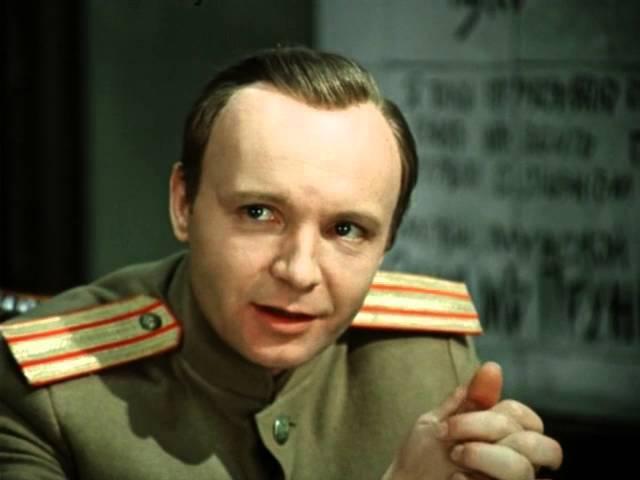 Павел Кравецкий (за кадром) и др. Белой акации гроздья душистые
