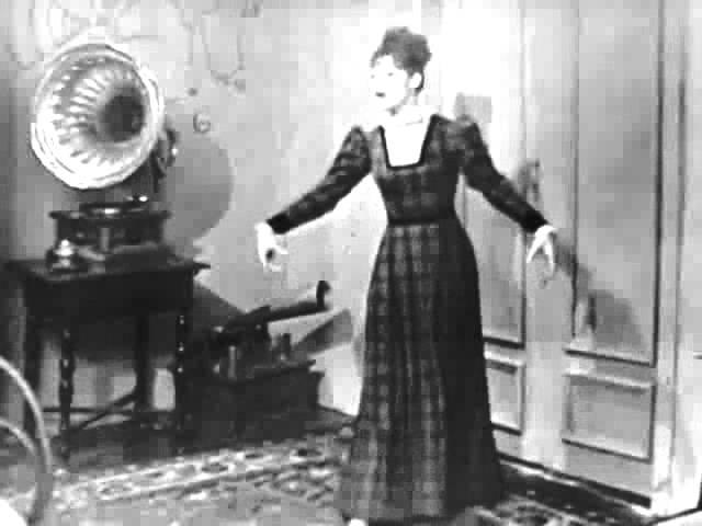 """Евгения Перласова (за кадром) """"Подожди, Генри Хиггинс"""" из мюзикла """"Моя прекрасная леди"""""""