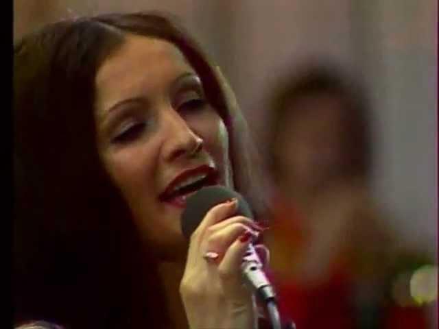 София Ротару Яблони в цвету
