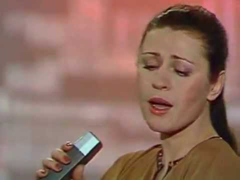 Валентина Толкунова А любовь-то лебедем
