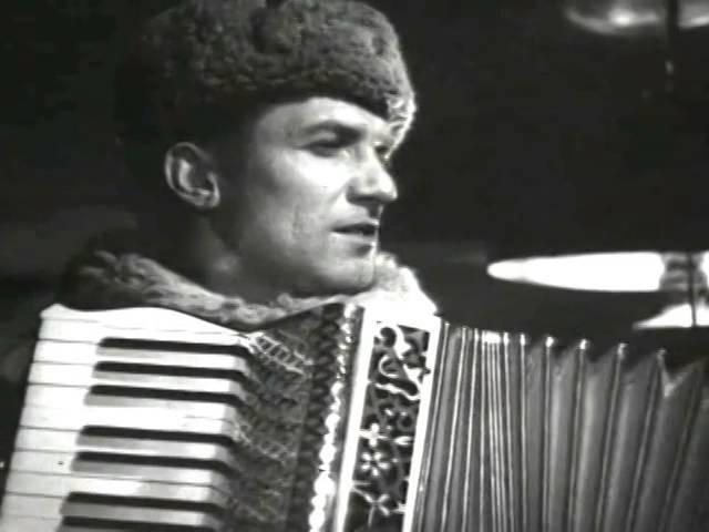 Николай Крючков Вязаный шарф голубой