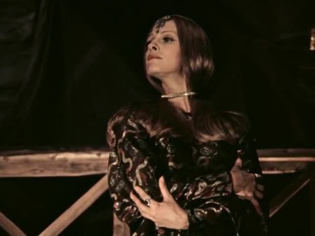 Лариса Долина (за кадром) Буду я королевой
