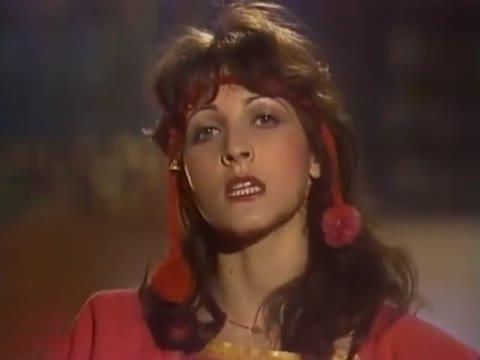 Марина Капуро Букетик алых роз