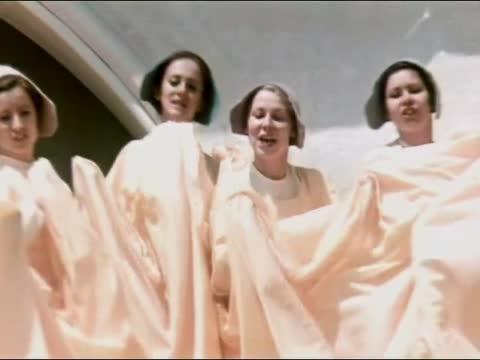 Детский хор (за кадром) Песня тружеников