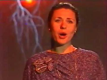 Валентина Толкунова Чудный месяц горит над рекою