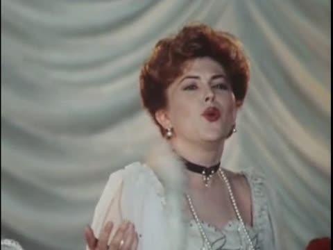 Елена Школьникова К чему печаль, к чему страданья