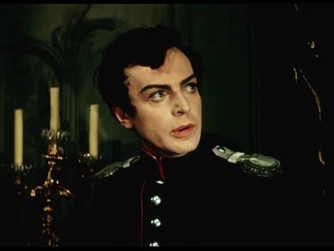 """Зураб Анджапаридзе (за кадром) Сцена Германа в спальне графини из оперы """"Пиковая дама""""."""