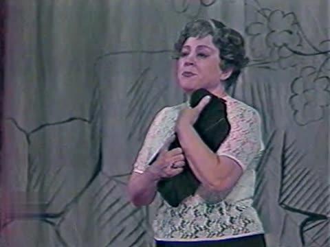 """Нина Энгель-Утина Песня матери из оперетты """"Старые дома"""""""