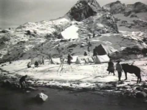 Евгений Кибкало (за кадром) За горной грядой