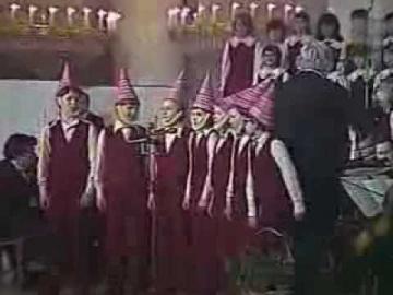 """Хор детской хоровой школы """"Восход"""" Марш гномов"""
